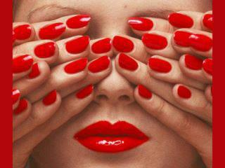 red nails girl
